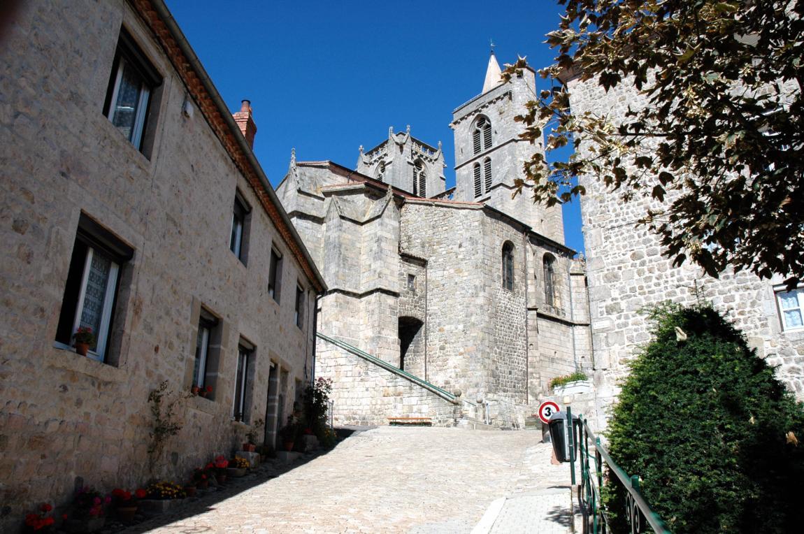 Traduction touristique pour l'office de tourisme de St Bonnet le Château