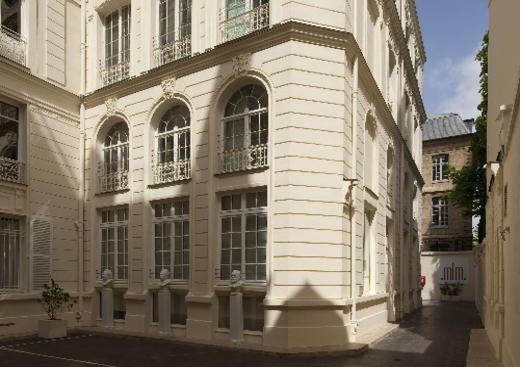 Traduction français anglais musee